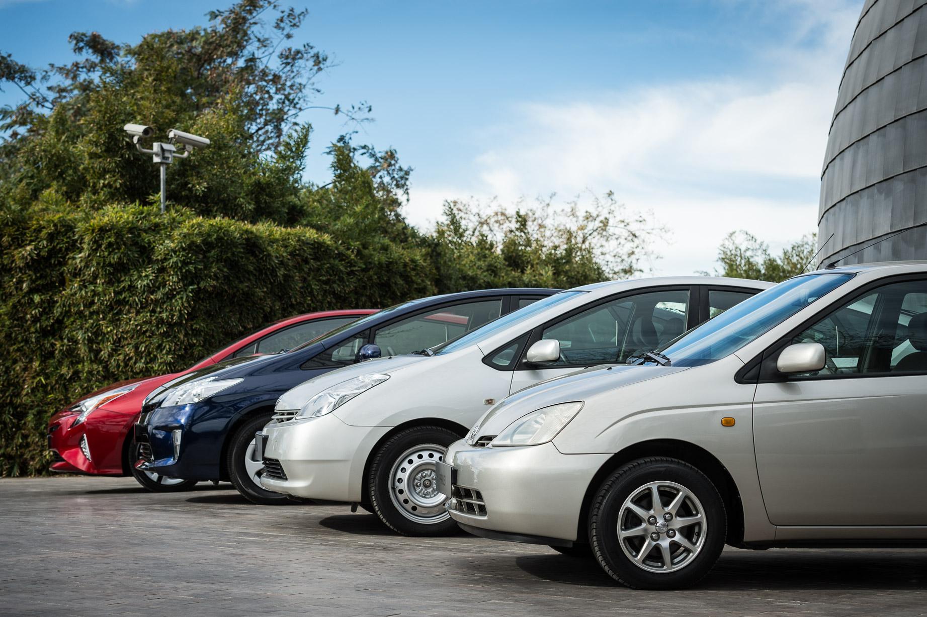 Toyota Hybrid Cars >> Hybrid cars: an introduction - Toyota