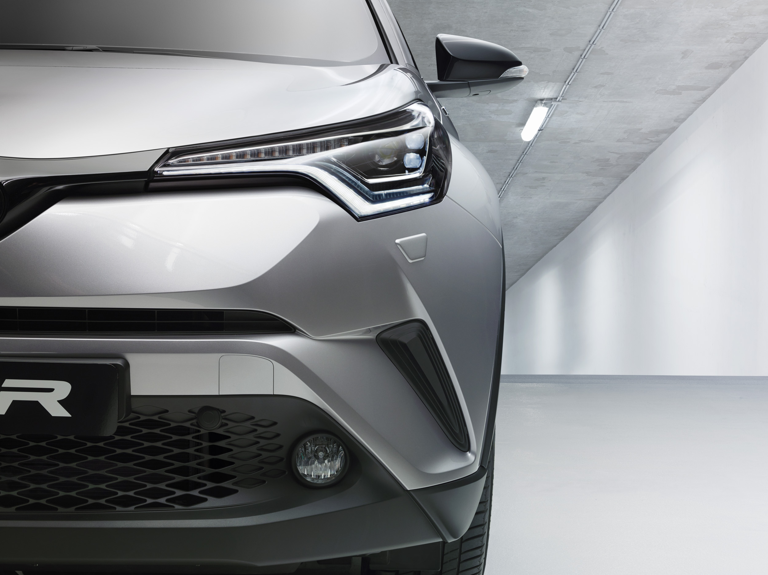 Toyota C-HR lights