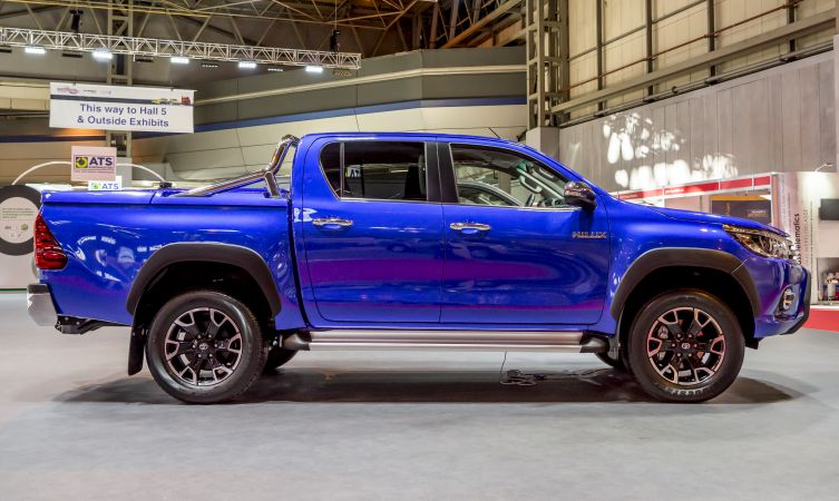 2016 Toyota Hilux: What accessories are available? - Toyota