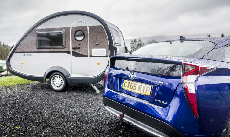 how to pack a caravan for towing