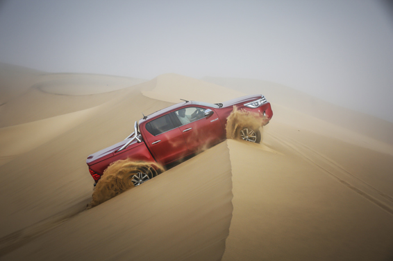 2016 Toyota Hilux review 3