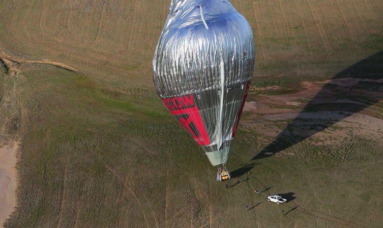 Balloon landing 01