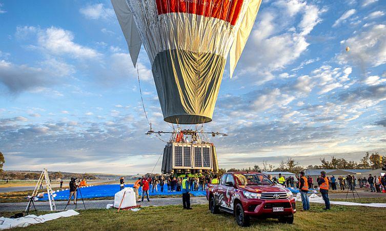 Hilux hotair balloon 02