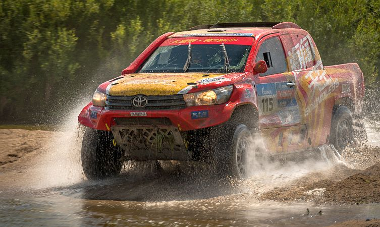 Silk Way Rally 06