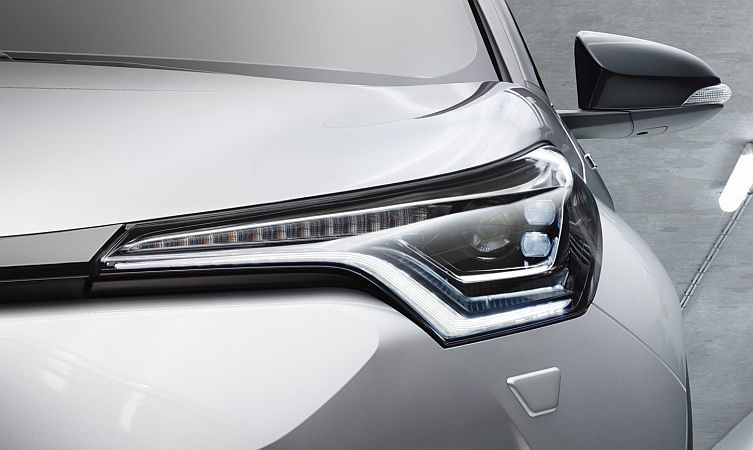 C-HR headlights