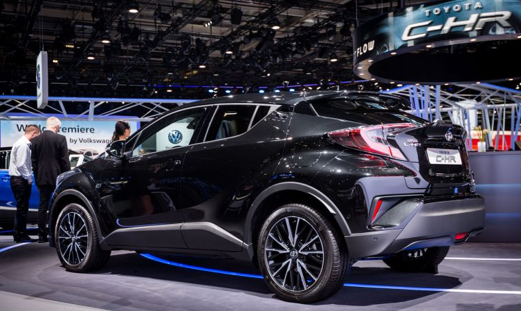c-hr-at-paris-2016-01