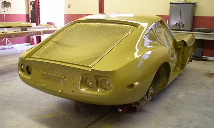 10130-2000gt-in-gold-paint