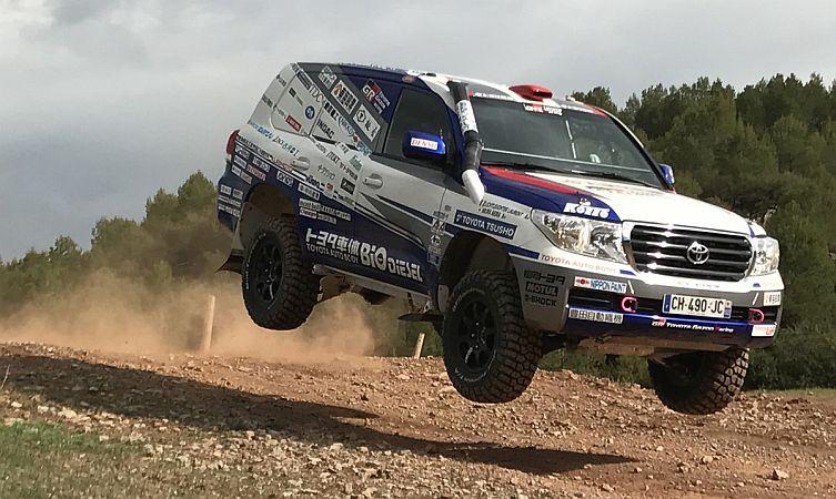 2017-dakar-rally-land-cruiser