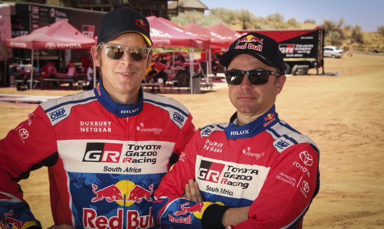 2017-dakar-rally-drivers-car-302