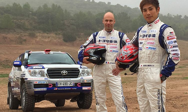 2017-dakar-rally-drivers-car-332