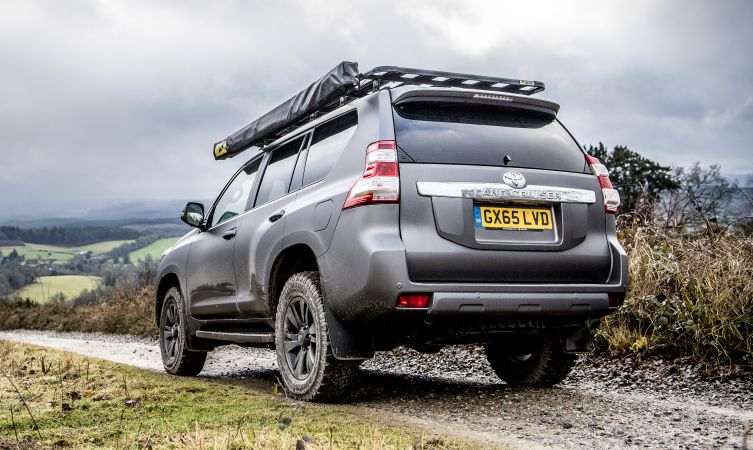 how does the land cruiser s kinetic dynamic suspension system work rh blog toyota co uk