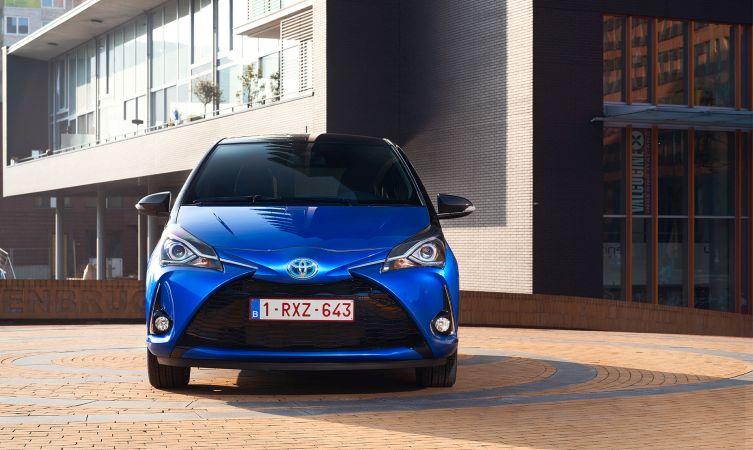 2017 Toyota Yaris front