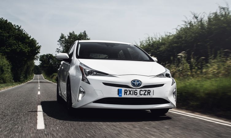 Can the Toyota Prius beat a Porsche 911 around the Nürburgring? - Toyota