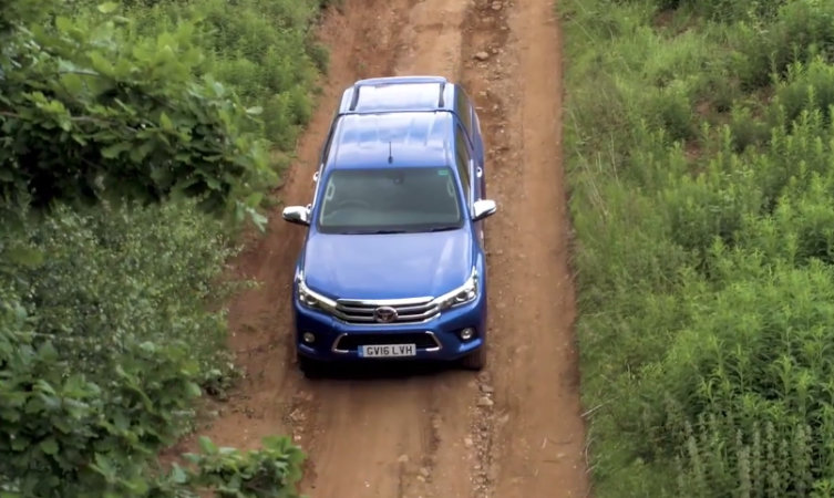 Hilux: Downhill Assist Control