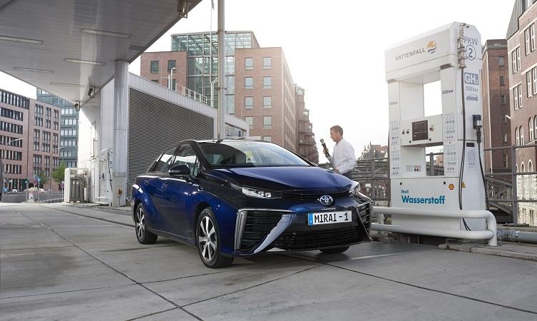 refuel a hydrogen car