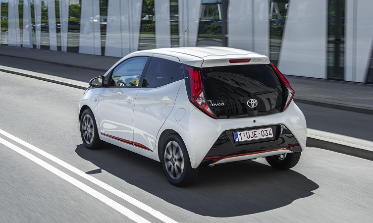 fresh looks and more fun for the 2018 toyota aygo toyota. Black Bedroom Furniture Sets. Home Design Ideas