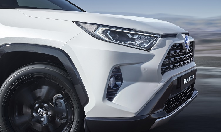 Explore the new 2019 Toyota RAV4 Hybrid: comfort and
