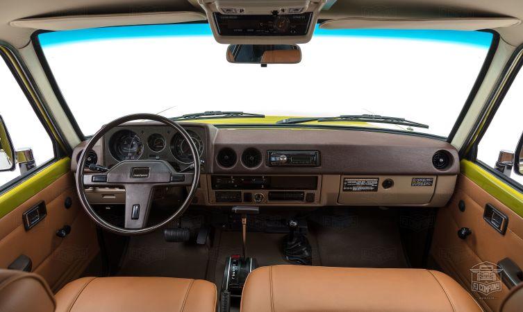 Toyota Land Cruiser FJ62