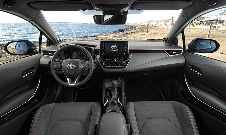 Toyota Corolla Review - CarWow