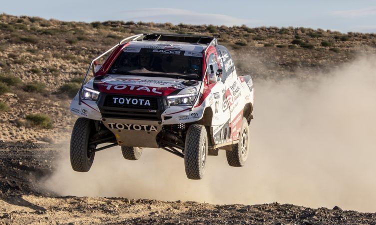 Fernando Alonso tests Toyota's Dakar-winning Hilux