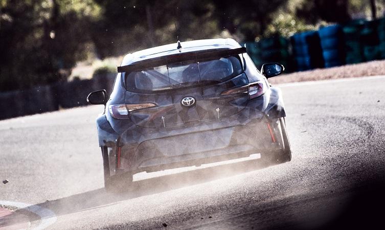 BTCC Corolla testing Spain 08