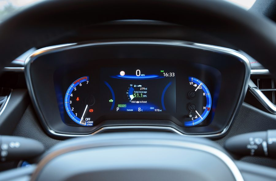 hybrid driving hints and tips fuel consumption
