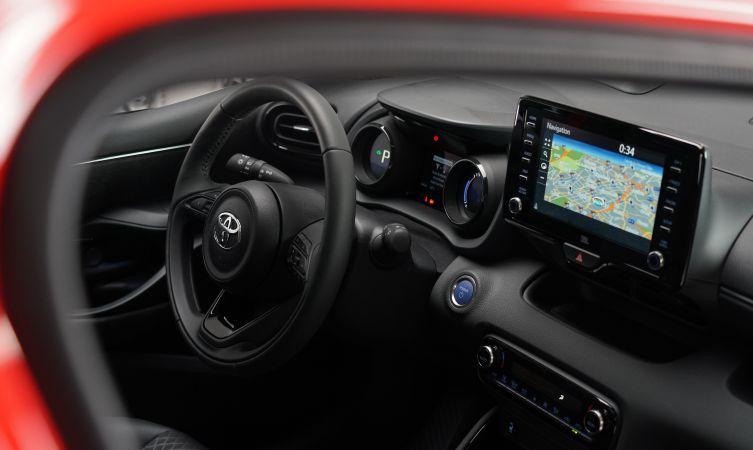 Toyota Yaris steering wheel and dash display