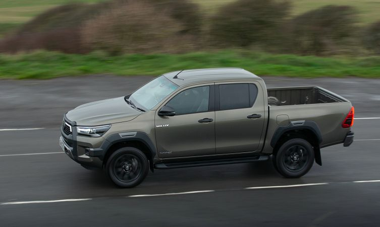2021 Toyota Hilux reviews