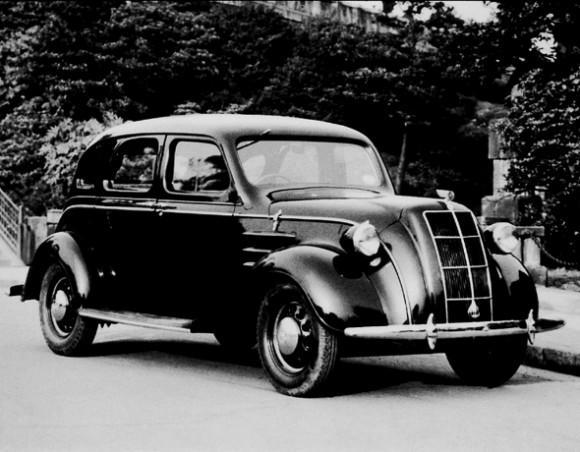 1936_Toyota_Model_AA_sedan_2 (590x460)