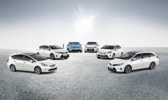 2013_Toyota_Hybrid_Range_mr