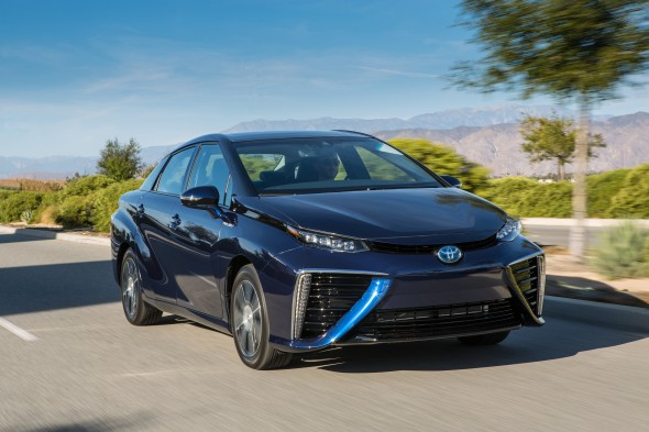 2016_Toyota_Fuel_Cell_Vehicle_020
