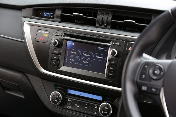 Auris Hybrid 2014 Touch 2