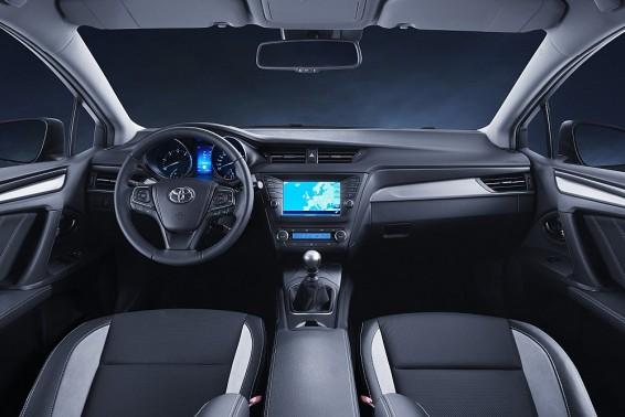 Avensis 15 interior