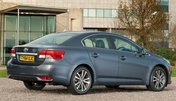 Avensis-64-plate-001