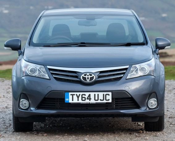 Avensis-64-plate-009