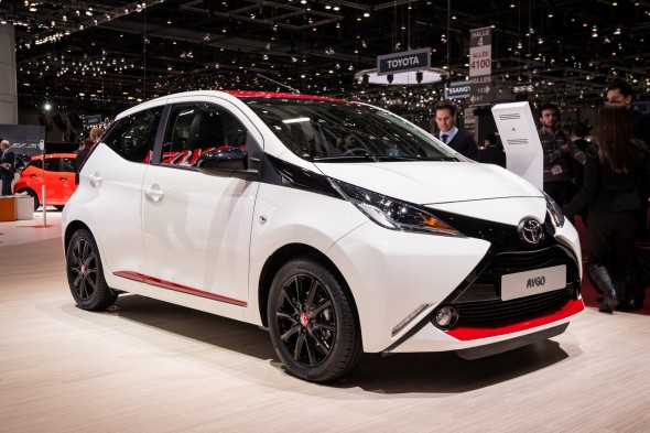 Aygo white on stand