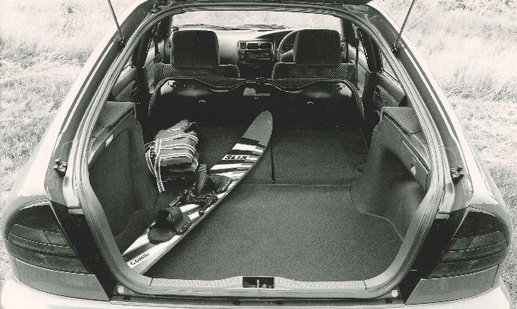 Corolla 7 1.6 GLi Liftback boot