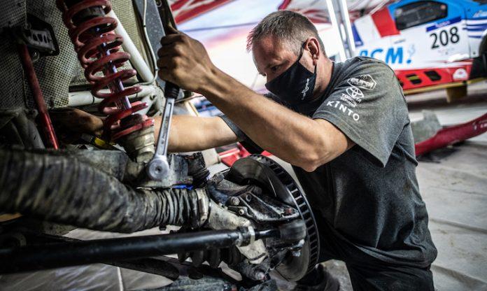 Dakar Hilux technical