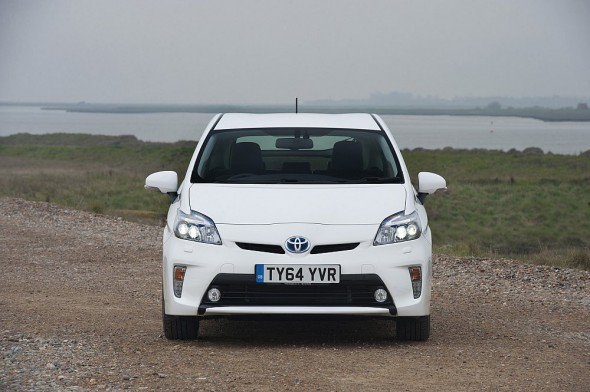 Front Prius white plate change