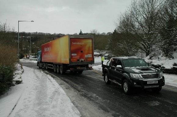 Ice road truckers (590x392)