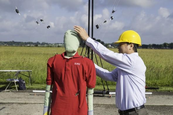 Pedestrian-mannequin-safety
