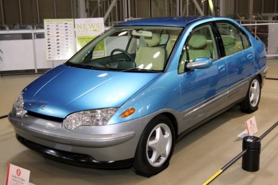 Toyota_Prius_1996_prototype_front