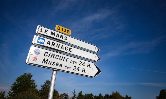 Le Mans signpost