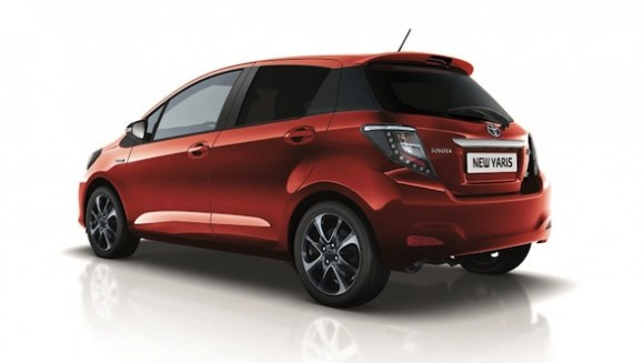 Yaris Hybrid Trend rear