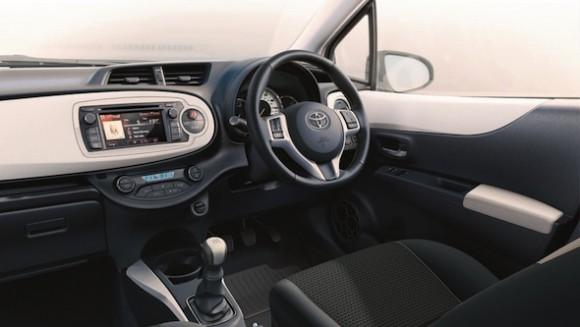 Yaris Trend interior