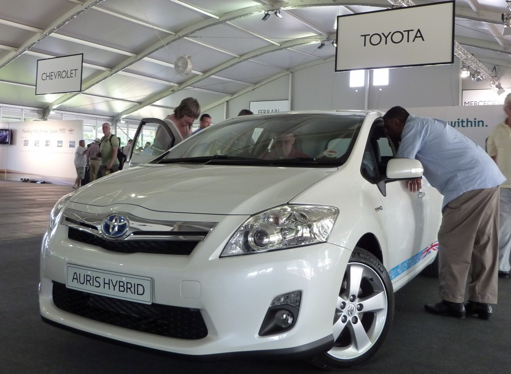 Auris Hybrid at Moving Motor Show