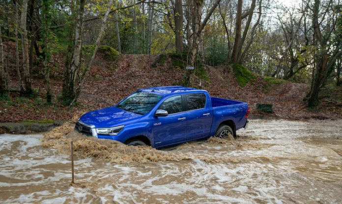 Toyota Hilux off-road - Paul Cowland