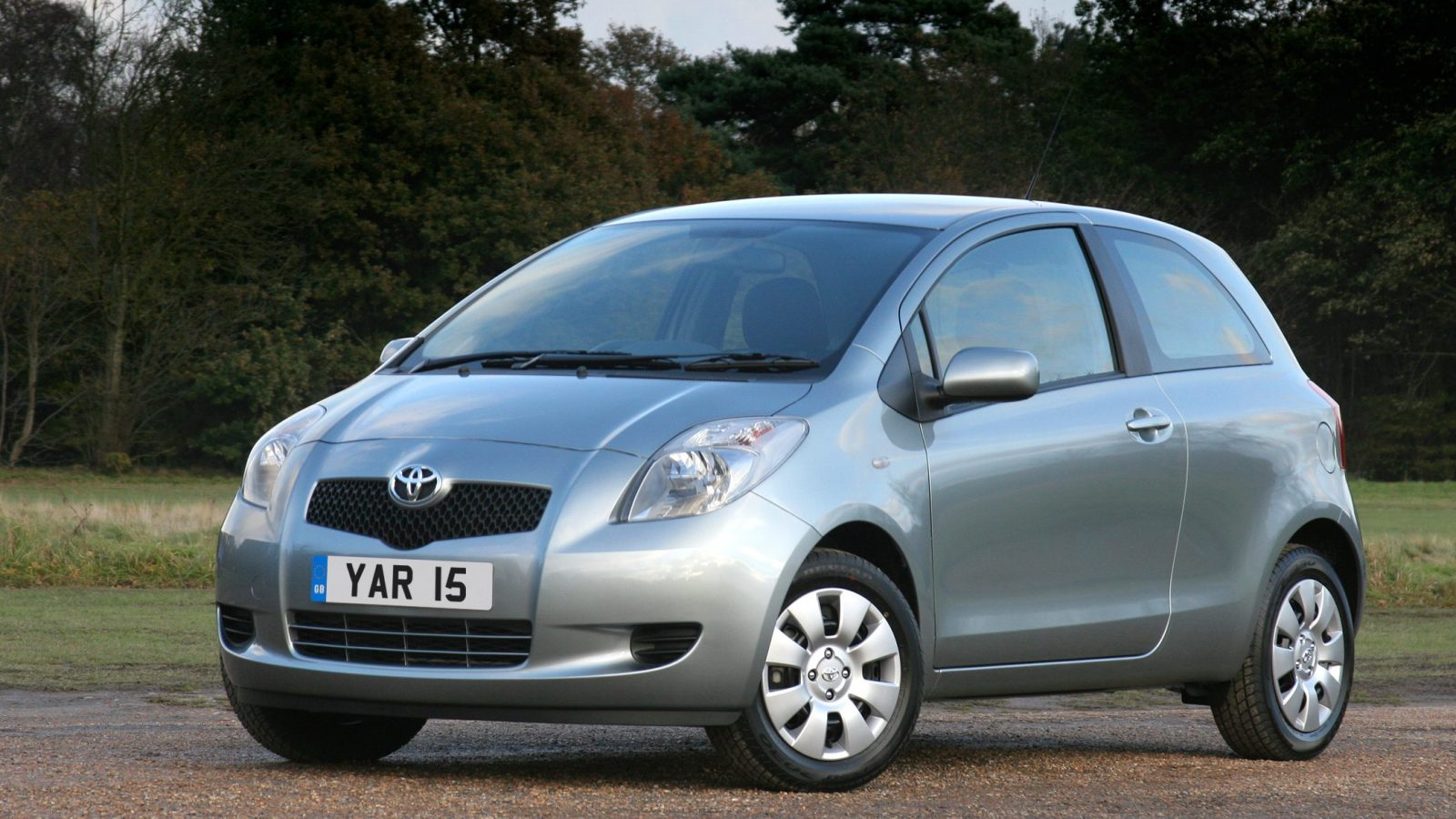 Second-generation Toyota Yaris 2005