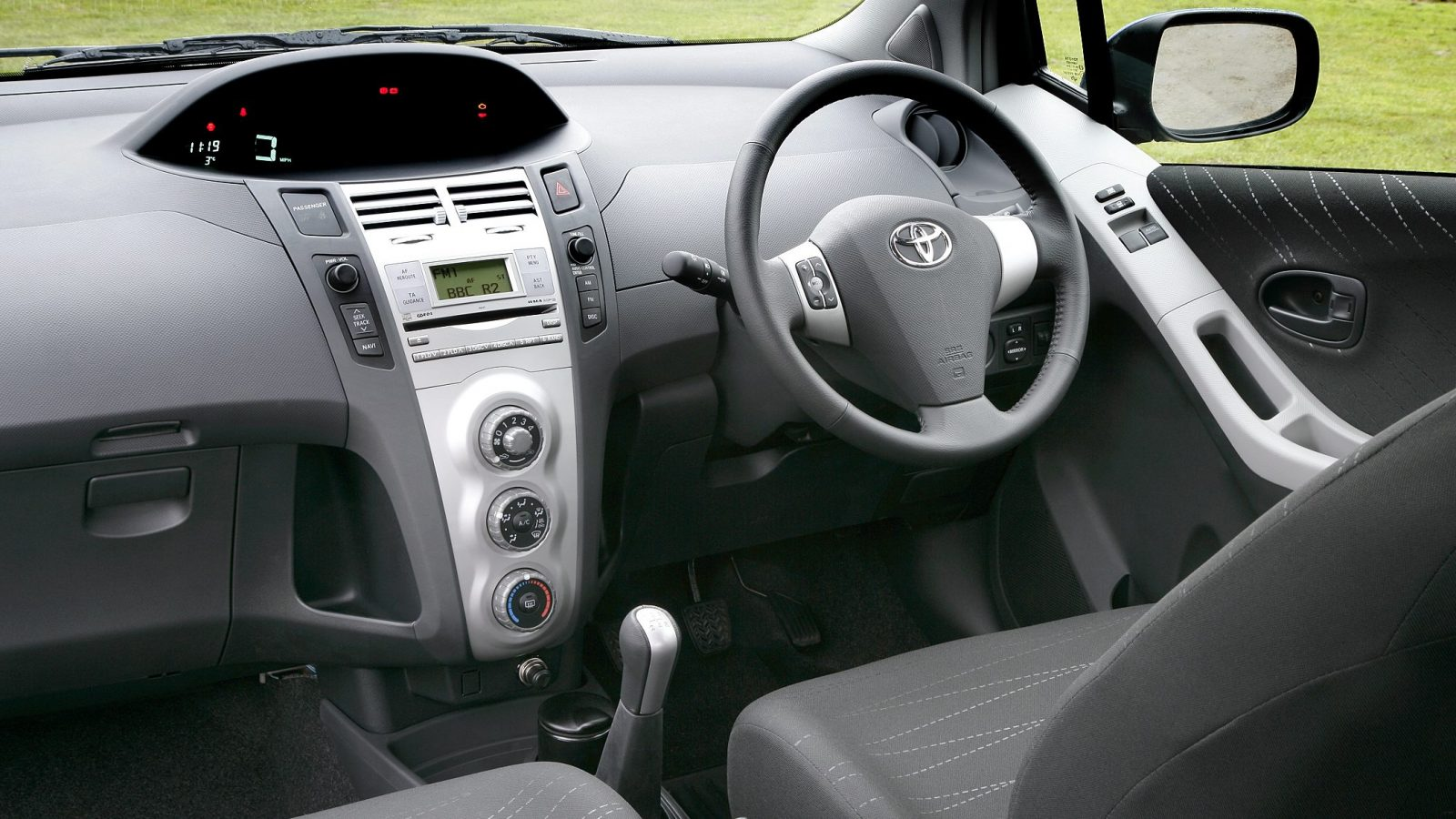 Interior of the second-generation Toyota Yaris