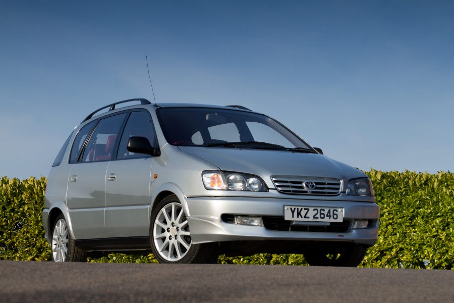 Toyota Picnic Sport Turbo